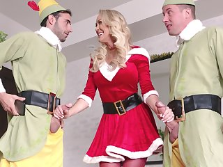 Kinky threesome with two guys together with Ms. Claus aka Brandi Love