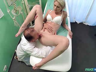 Weaken does the deed nearby sexy young patient Claudi Macc