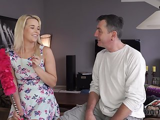 Cute pie stepdaughter doesn't mind having coition with experienced stepdad