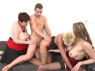Video of matures Yamra and Stacy Exalt having an amateur orgy