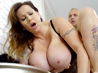 Tall Hungarian MILF with huge natural breast loves less get fucked rightly