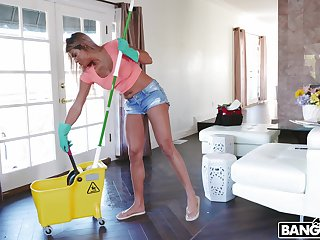 Weasel words hungry maid Mercedes Carrera gets fucked by two massive dicks