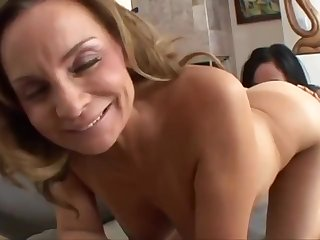 Mom and 18 years old lesbians - hot porn video
