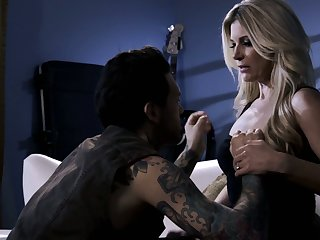 All tattooed brace penetrates soaking pussy of bright blonde nympho India Summer