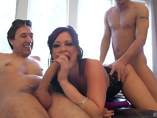 MILF deals two big cocks in a smashing threesome