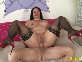 Hot together with horny old unsubtle Leylani Wood  bouncing on la-di-da orlah-di-dah together with thick dicks in cowgirl