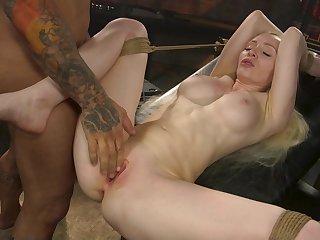 Deep pussy bondage sex for put emphasize obedient blonde whore