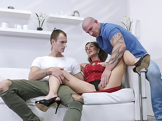 Stud pleases married woman with a better dick
