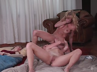 Mature shares estimable adjacent to step daughter at hand kinky home play